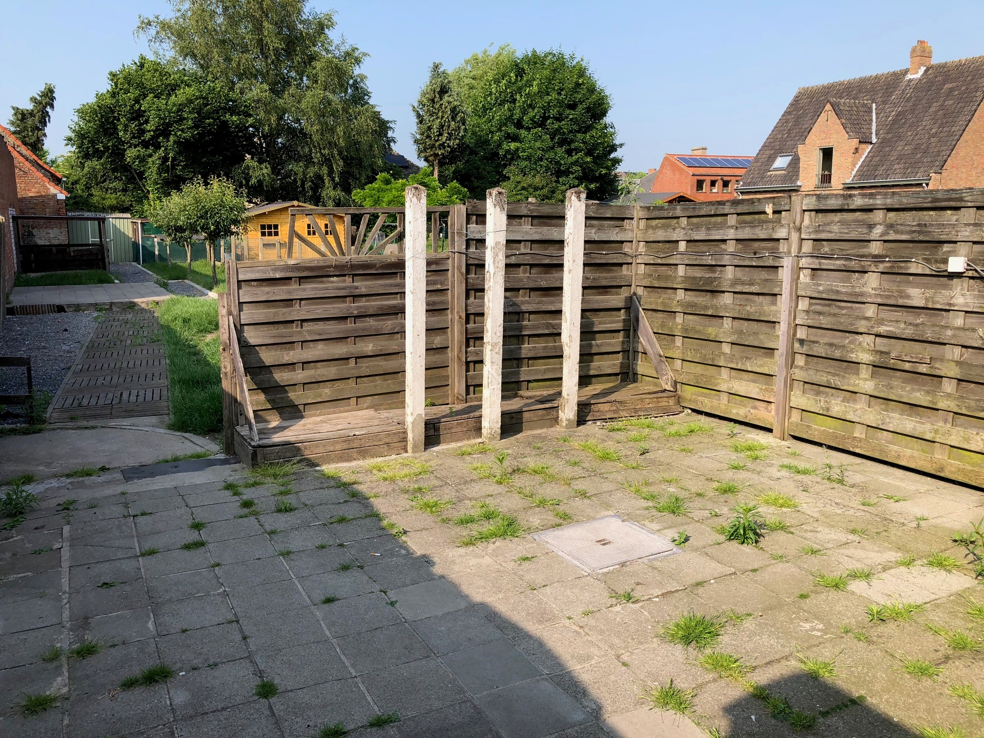 Ruime te renoveren gezinswoning met diepe tuin hebo for Tuin renoveren